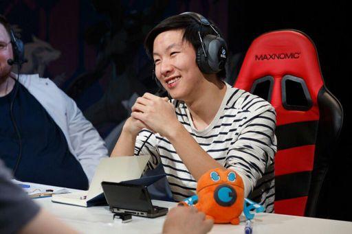 Aaron Zheng Cybertron VGC